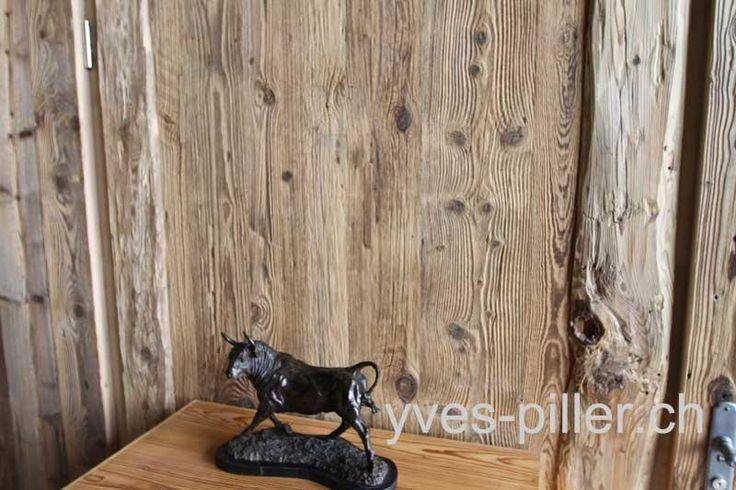 Vieux bois : Vente de vieux boisSpécialiste des matériaux anciens depuis plus de 40 ans Yves Piller est à votre service pour la fourniture de vieux bois, boiseries blonde en sapin vieux bois, planches vieux b...