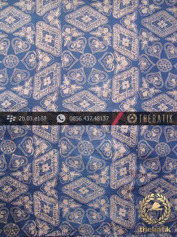 Kain Batik Sutera Jogja Motif Ceplok Kontemporer Biru | Indonesian Batik on Silk Painting, Batik Fabric, Batik Painting http://thebatik.co.id/kain-batik-bahan/batik-sutera/