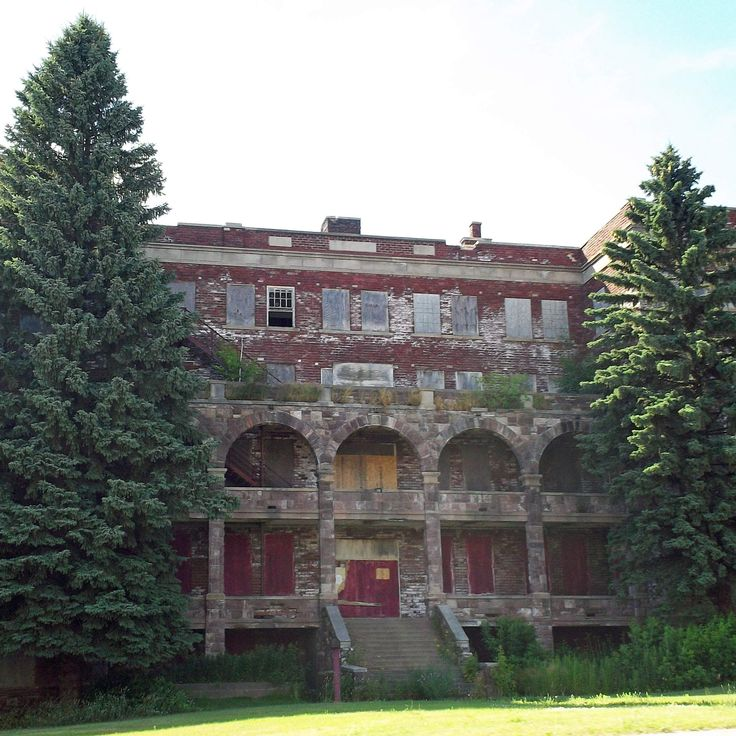 Places To Visit In Pontiac Michigan: 17+ Images About Abondoned On Pinterest