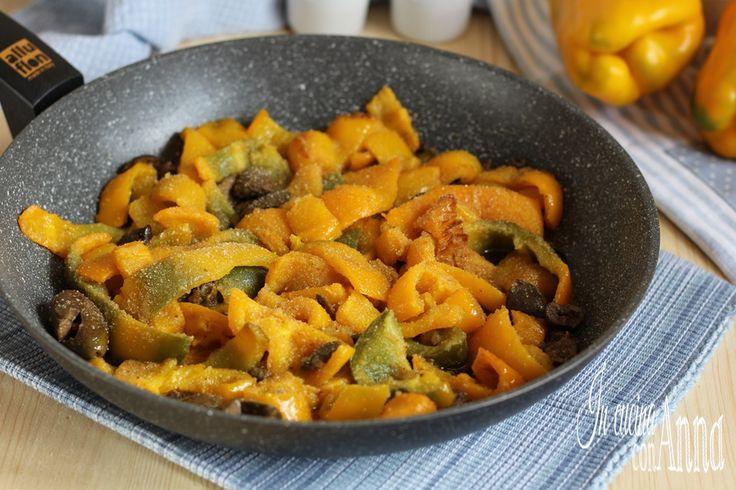 I peperoni alla Siciliana sono un piatto molto facile,saporito,semplice da preparare,economico e molto ma molto gustoso,perfetto in ogni occasione...
