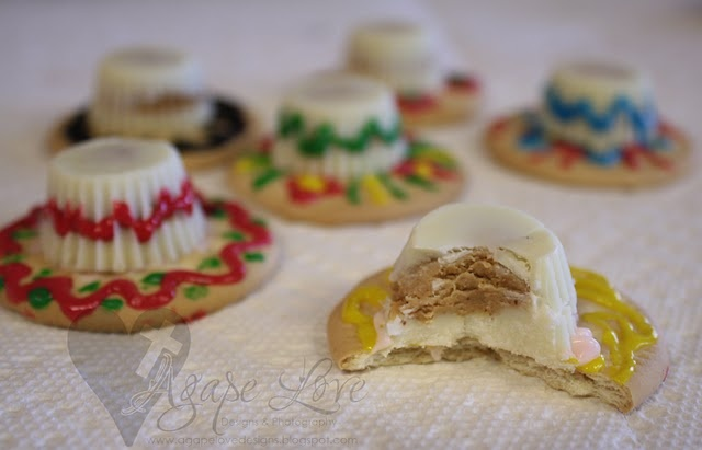 My first attempt at making my sombrero cookies! I love how they turned out.. gonna make them for sure for my bday! :)
