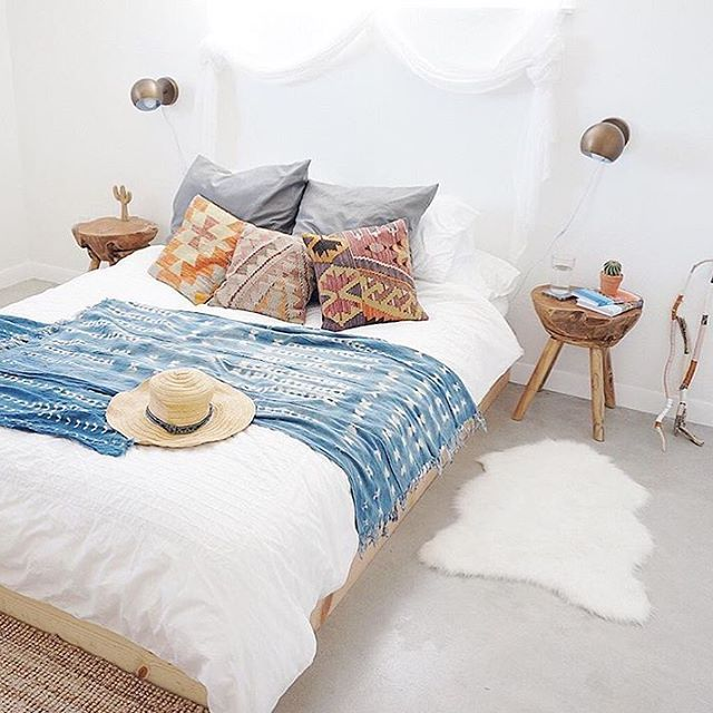 A stunning #HomeWithRue moment from @casajoshuatree! We'd love to spend a Sunday here.