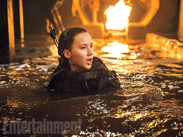 'The Hunger Games: Mockingjay - Part 2': 8 EW exclusive photos | Jennifer Lawrence | EW.com