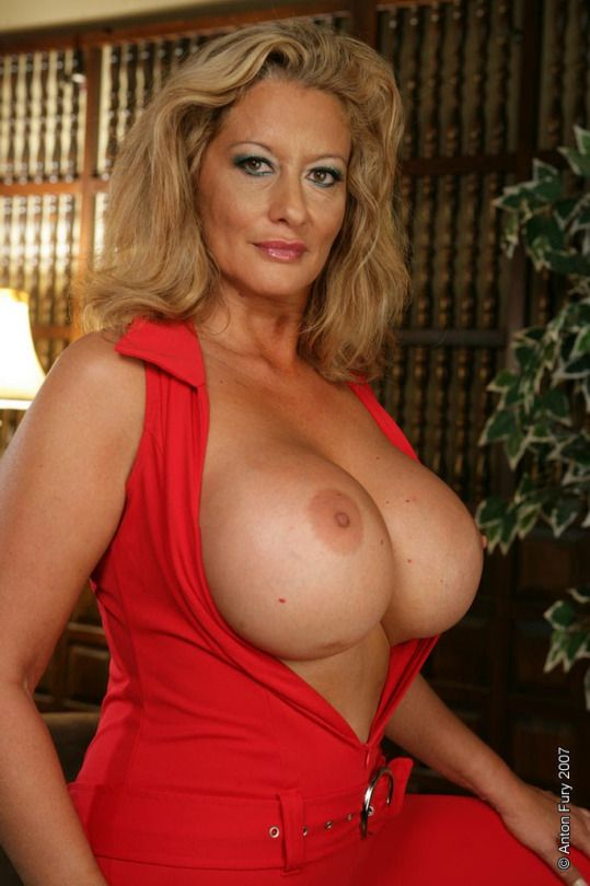 Big Sexy Older Women