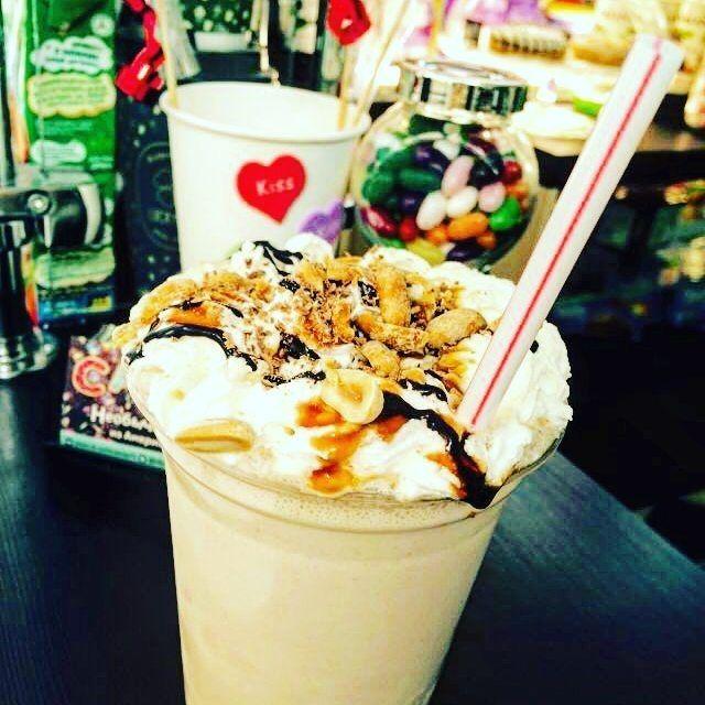 Очередной шедевр от наших бариста :) #аквамолл #кофе #luckydaycoffee73 #вечер #гуляем #ульяновск