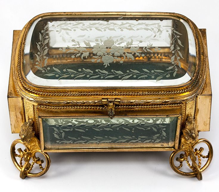 Fine Antique French Jewelry Box, Casket, in Dore Bronze and Deep Beveled & Engra…  – ♦ Historical objects ♦