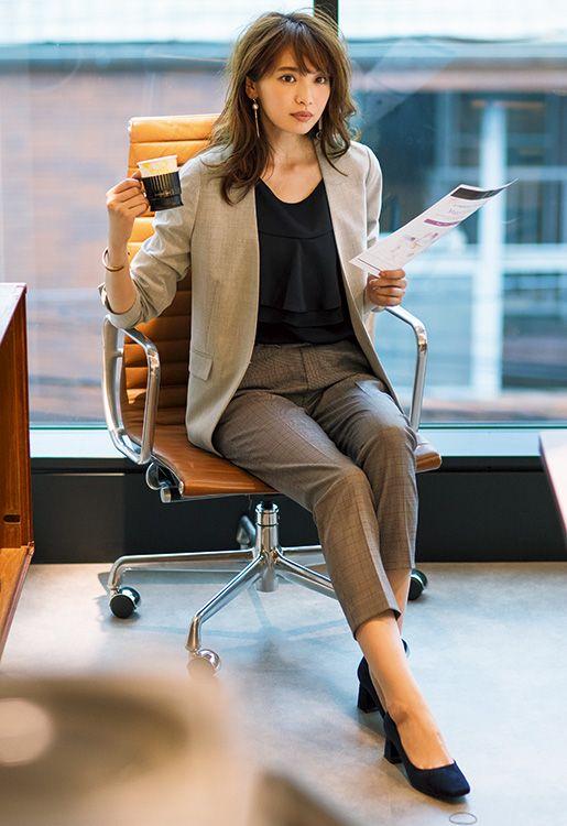【毎日コーデ】ユニクロ安定の美脚タックパンツ♡チェック柄で好印象なお仕事コーデ