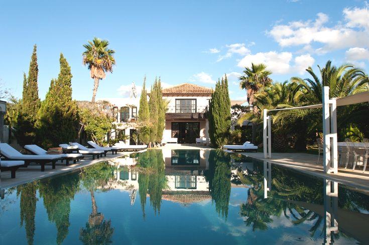 Stylish villa in Cala Jondal, Ibiza « Adelto Adelto