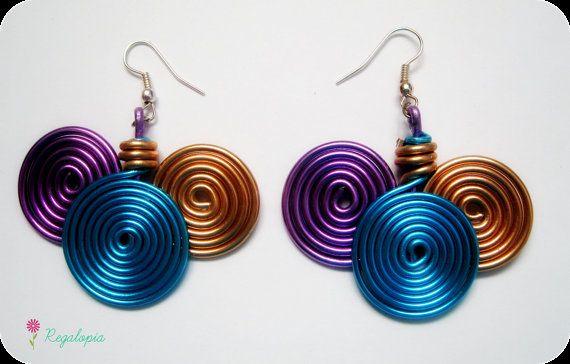 Spiral Wire Earrings / Pendientes Ondas €6.00  https://www.etsy.com/es/listing/153053077/pendientes-de-ondas-con-aluminio #earrings #pendientes #shop #gift