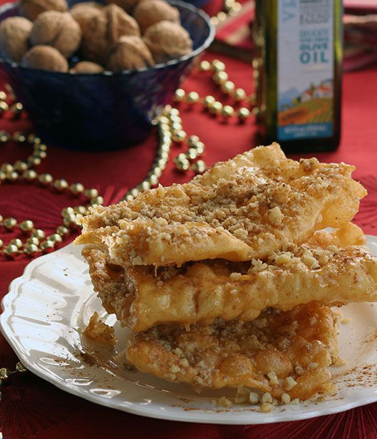 24 best greek recipes for christmas images on pinterest greek food xerotigana or diples are a classic greek christmas sweet of dough strips crisped in olive oil and drizzled with honey nuts and cinnamon forumfinder Images