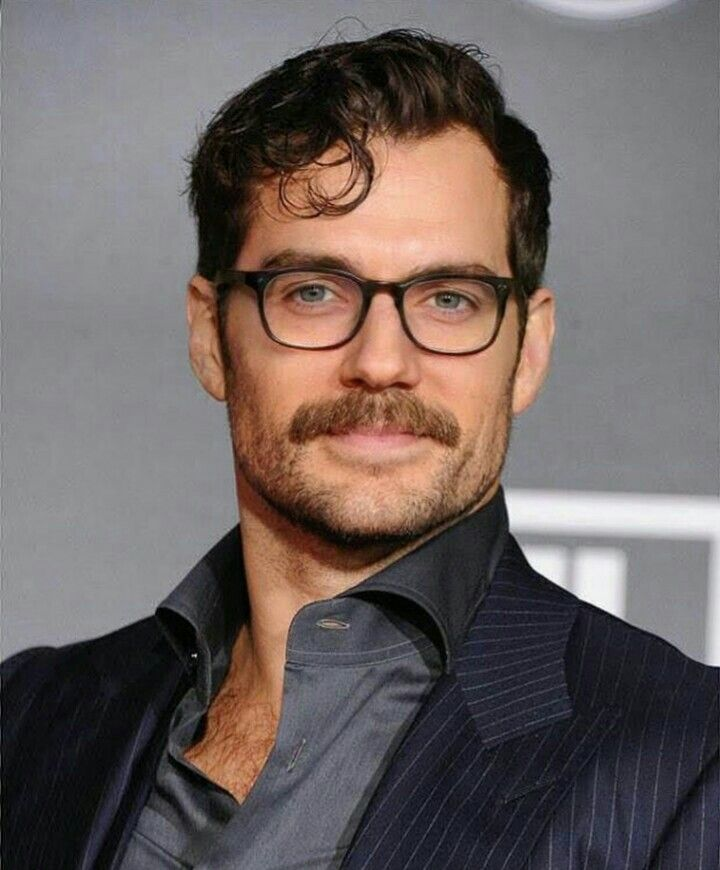 Henry Cavill Those Glasses Are The Best Disguise Famous Folks