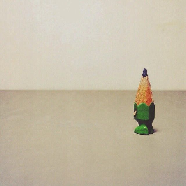 ✏️ #art #acrylic #artwork #tiny #figure #doll #tinydoll #wood #woodcarving #pencil #pencilman #etsy #creative #craftsposure #stationery #handmade #miniature #green