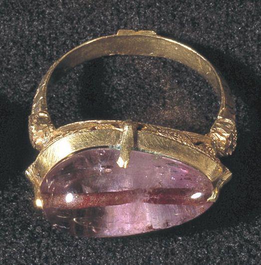 Ring med amethyst fra Hvalsø (Nationalmuseet)
