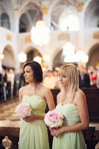 Fotografia por peachesandmint.com; evento estilo & projeto: Momentos Prime; casamento Schloss Maria Loretto; Wörthersee Áustria