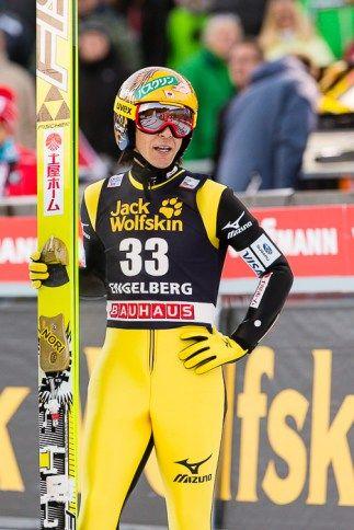 der älteste Skispringer Noriaki Kasai aus Japan beim FIS Skispringen Weltcup in Engelberg / Schweiz | Fotograf Kassel