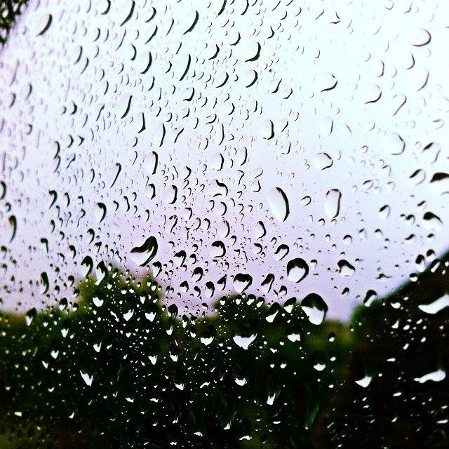 Such a Rainy day :/ #rainy #rainyday #today #nofilter #water #storm #beautiful #snapshot #raindrops #fff #f4f #lfl