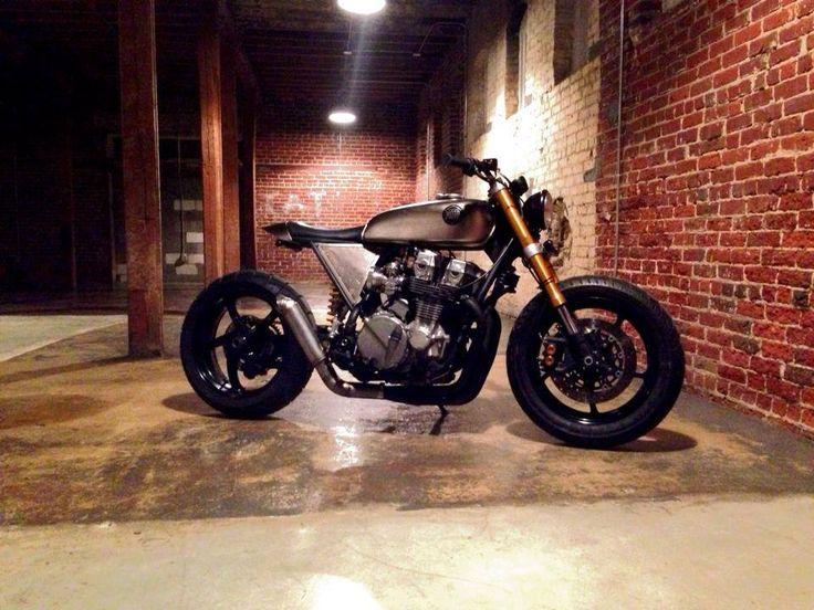 Classified Moto Nighthawk 750