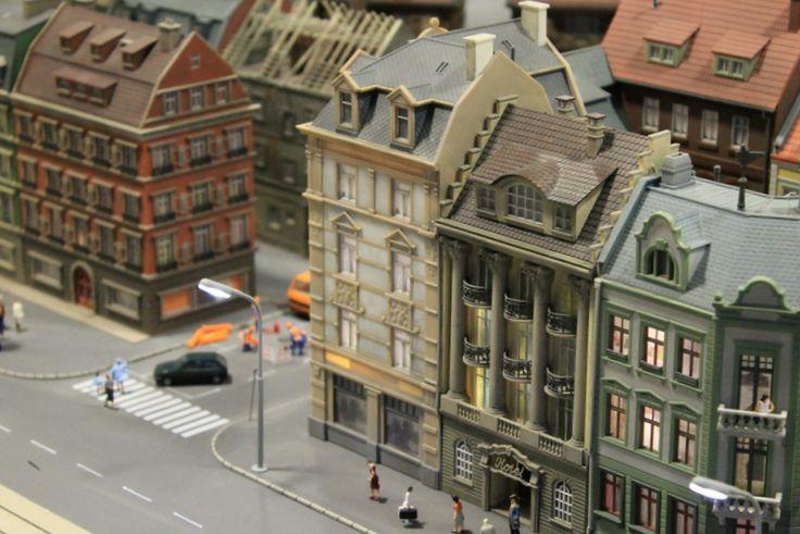 Városi életképekben is bővelkedik a #Miniversum terepasztala.