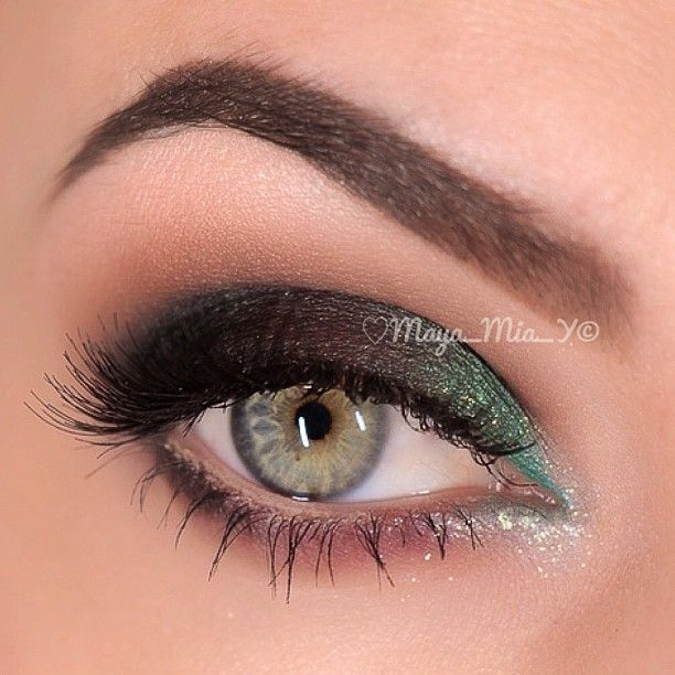 how to make hazel eyes look green naturally