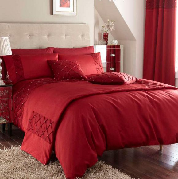 Best 25+ Red bedding sets ideas on Pinterest | Red master ...