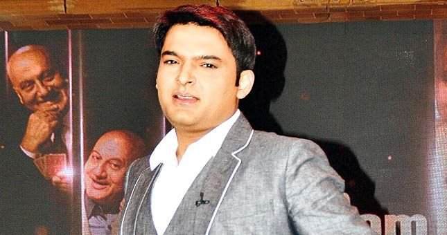 कपिल शर्मा को लगा बड़ा झटका! यशराज की फिल्म से हुए बाहर http://www.jagran.com/entertainment/bollywood-kapil-sharma-drops-out-of-yrfs-bank-chor-11448187.html #KapilSharma #Bollywood