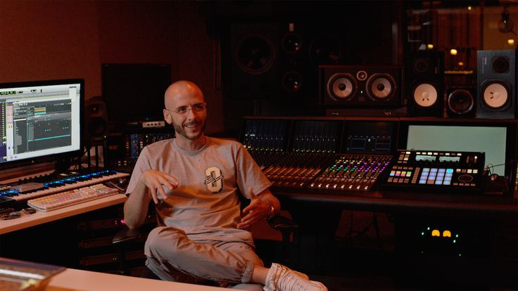 Native Instruments today released a new video feature on Noah '40' Shebib – the Grammy-winning producer behind the sound of Drake's innovative productions. In the video, he talks …