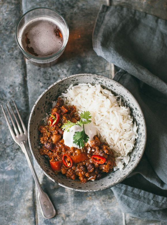 Chili Con Carne | This comforting chili con carne stew is rich, full of flavor, and perfect to make for a casual dining with friends. Serve with Mahatma White Rice for a satisfying meal.