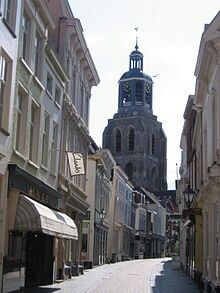 Bergen op Zoom: winkelstraat 't Vierkantje
