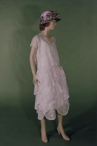 Imagine wearing this on a spring day in 1920's France.