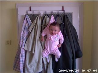 aaskıya asılan bebek