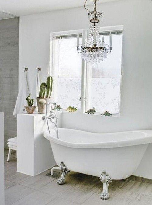 Banheiros Brancos - White Bathrooms