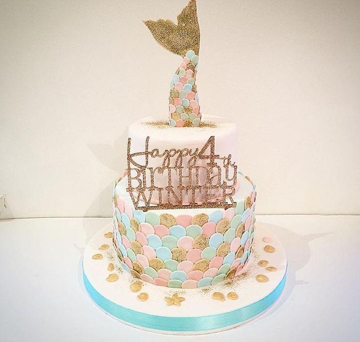 Fondant fox mermaid cake