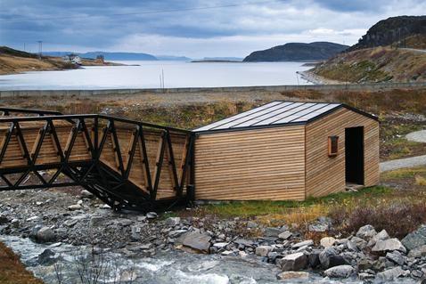 Rasteplass med toalett og natursti.   TittelLillefjord, Havøysund  Arkitekt: Pushak arkitekter