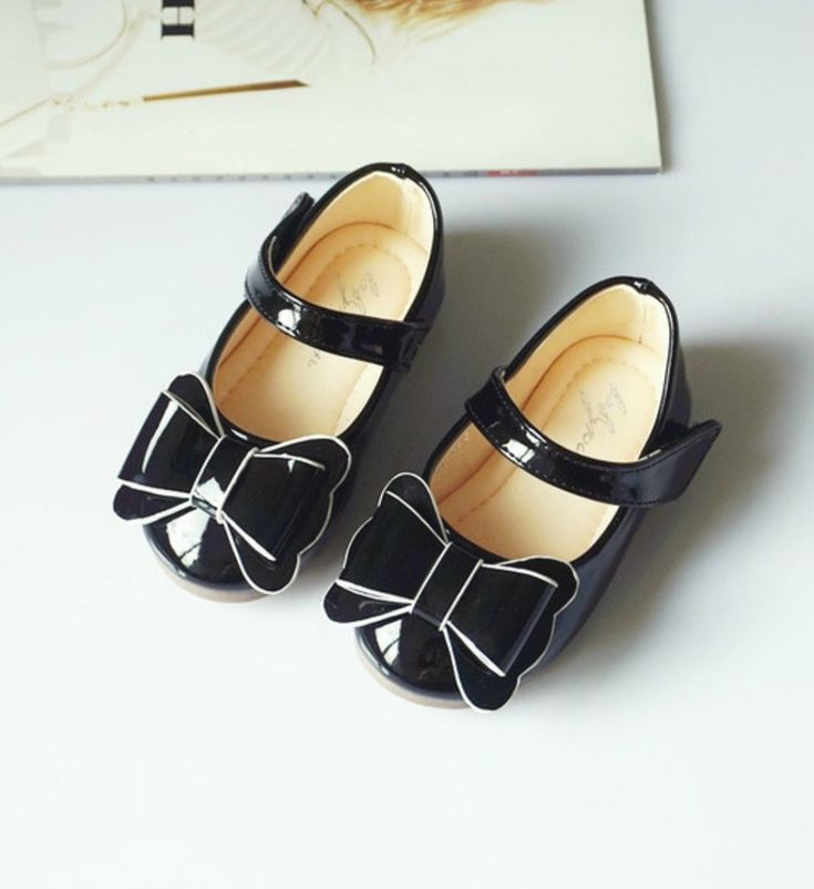 Bow Clips Shoes-High Quality, Comfort & Soft! Cute Baby Infant Toddler Little & Big Girl Mary Jane Strap Flat Round Formal Bow Clips Shoes. Material: Pu leather & non-slip rubber. Color: Black. Please choose  your little girl size by Insole length.