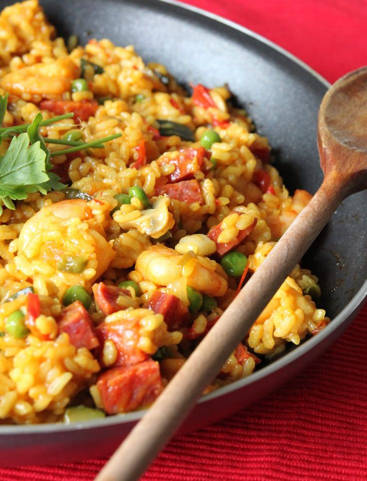 Spanish favourite- Paella (two ways) both vegetarian and non-vegetarian dishes... yum!