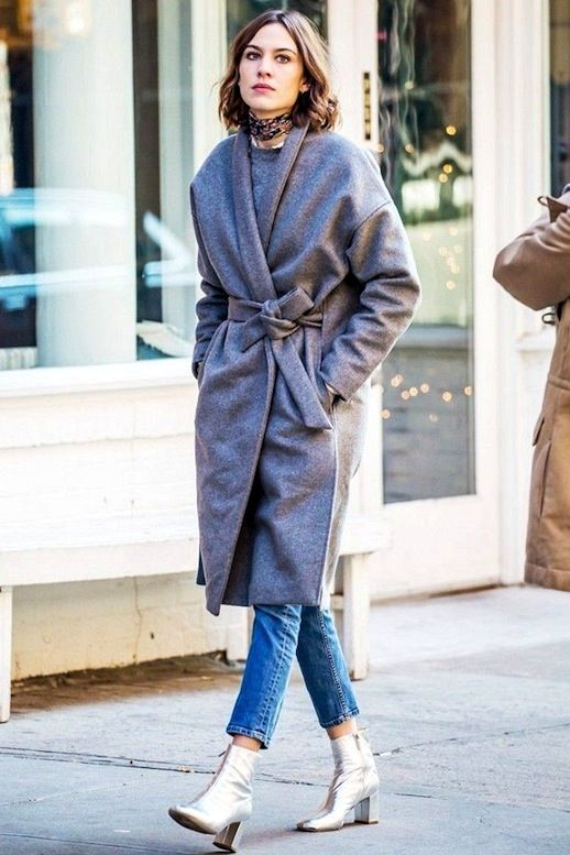 Photo via: Who What Wear Whether they come in the form of cool silvers or rich golds—we can't get enough of metallic shoes. Alexa Chung instantly spices up a casual winter ensemble by pairing a wool c