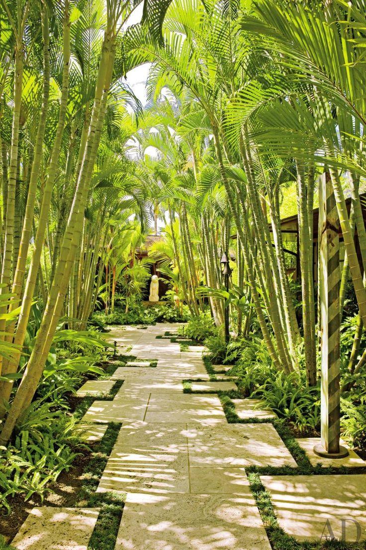 Exotic Garden by Werner Design Associates and Mark de Reus in Kona, Hawaii #modern #gardendesign #landscapearchitecture