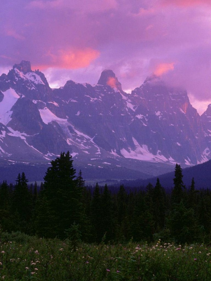Itchy Feet List #1 *Canadian Rockies* I would love to do a 6-day trek from Calgary through Banff to Jasper, down to Yoho via Lake Louise and back! Stunning!!     http://www.canadaimg.com/canadian-rockies-jasper-national-park-alberta.html