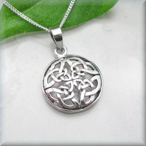 Round Celtic Knot Necklace - Irish Jewelry ()