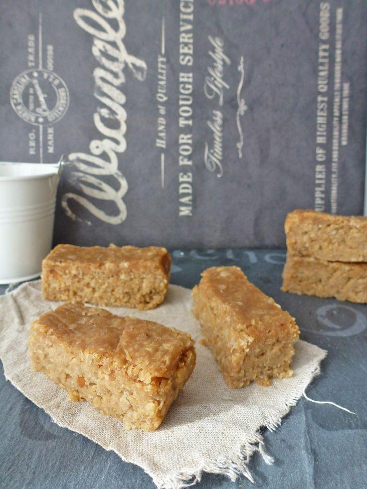 Barres aux flocons d'avoine et beurre de cacahuètes  Pour un gouter facile et rapide qui se conserve plusieurs jours