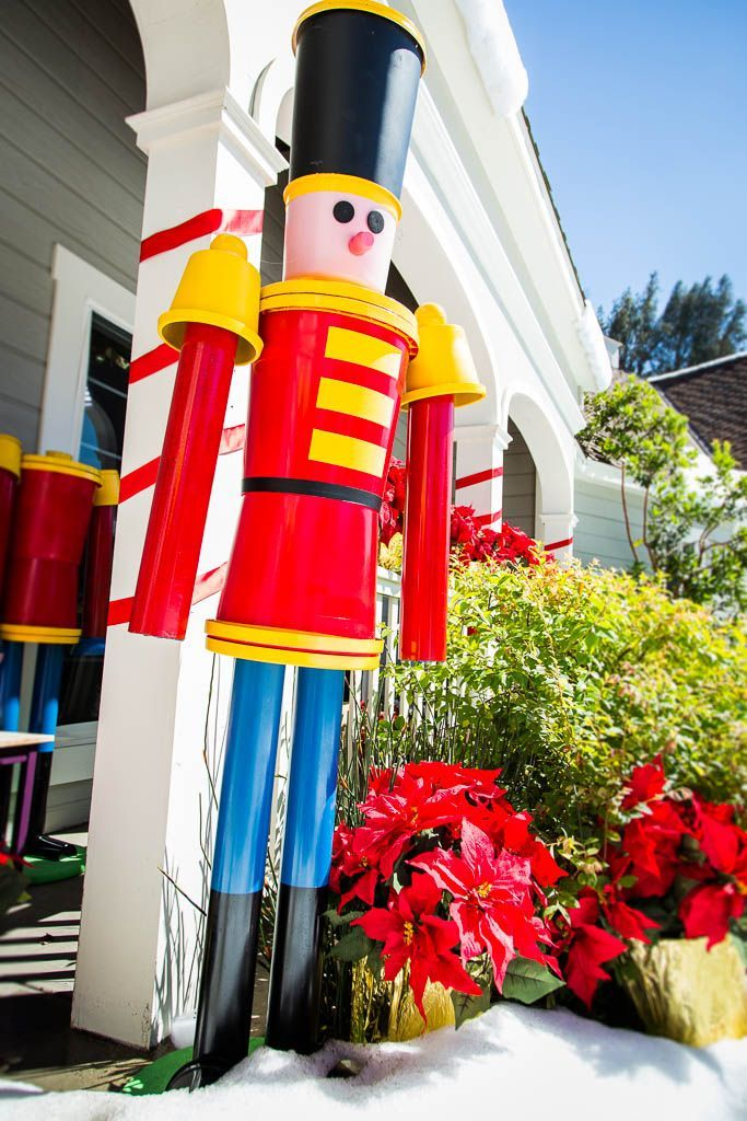 @kennethwingard DIYs a Life Sized Nutcracker Soldier