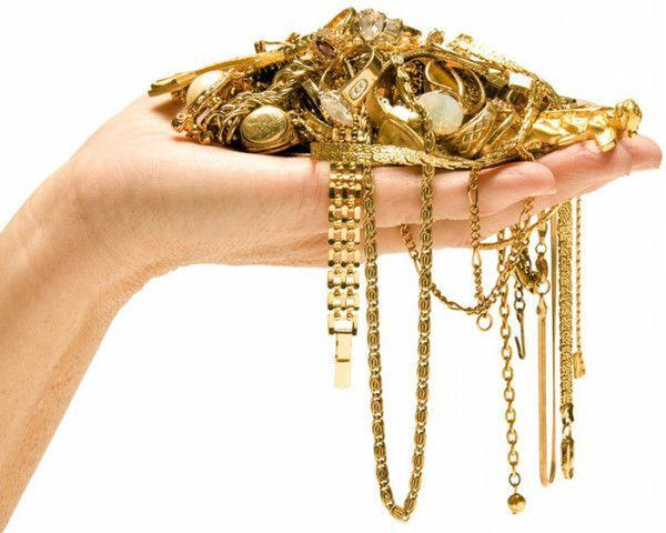 Чистка золотых украшений дома