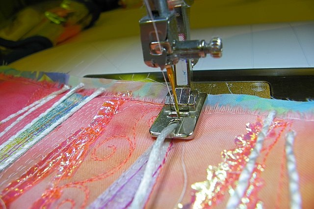 "MarveLes Art Studios: What is a Bernina ""Coded"" Foot?"