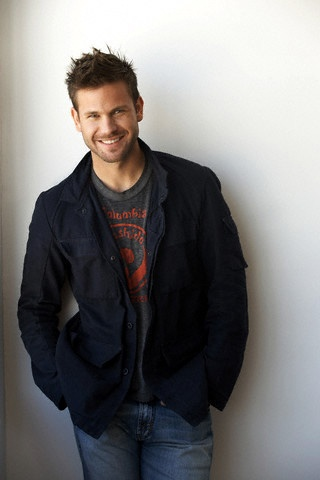 Matt Davis aka Alaric the history teacher. I would totally have loved history a lot more if my teacher had looked like that :)
