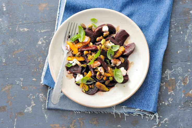 Geroosterde bietensalade met geitenkaas - Recept - Allerhande