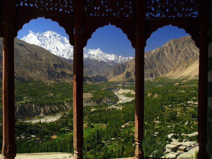 Vue sur la vallée de Hunza au nord du Pakistan