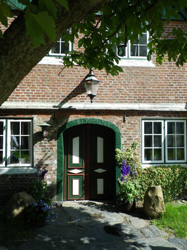Entrance to the old inn, Sønderho, Fanø. Photo by Tina Møller.