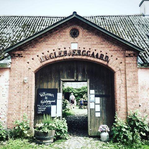 We needed to get out of town! Eat organic lovely lunch - #fuglebjerggaard #organicfarm #farming #organic #kitchengarden #nearby #copenhagen #plants #edibleperrenials #plantnursery #farmshop #seeds #organicseeds
