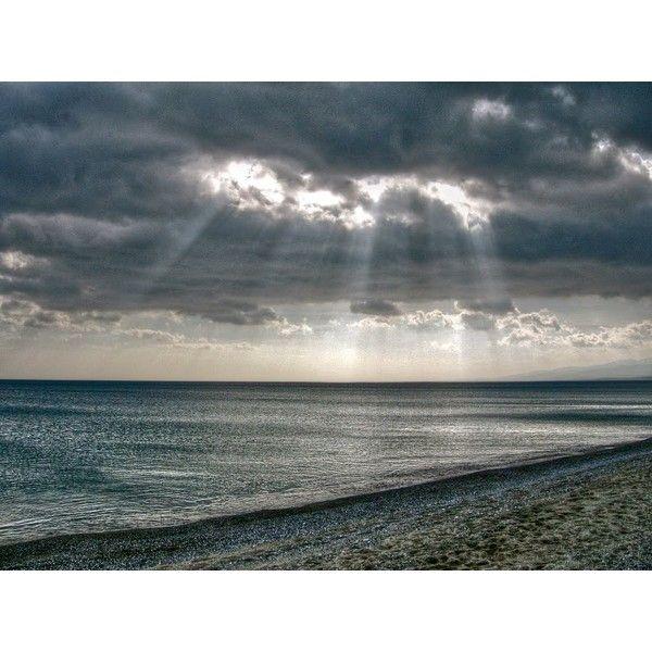Mare di inverno, spiaggia di Roccelletta (CZ) ❤ liked on Polyvore featuring backgrounds