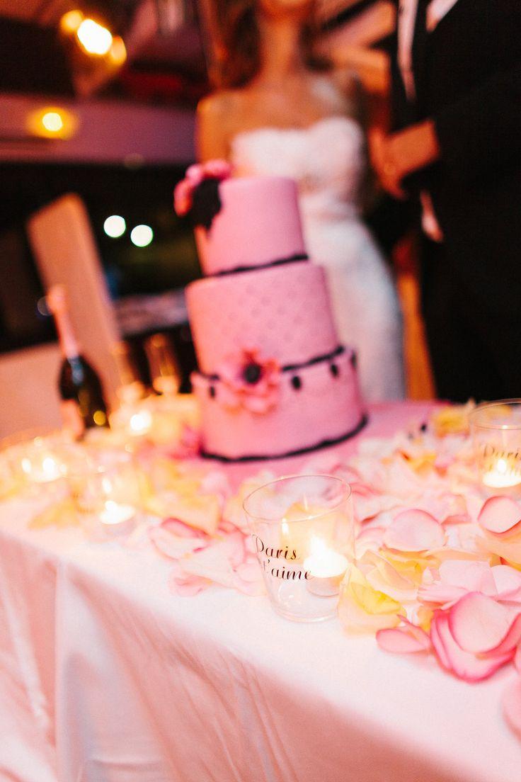 #weddingcake by @nesssweetness #chanelthemedcake #brideandgroom #paris #destinationwedding #weddingplanners #italianstyle #ilbiancoeilrosa #destinationweddingtuscany #chicwedding #weddingdetails #chanel #iloveparis #champagne Photo by @alainm